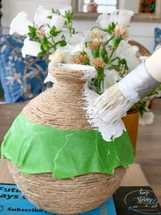 Acrylic Craft Paint, Diy Painting, Diy Painted Vases, Old Vases, Vase Crafts, Diy Crafts For Home Decor, Bottles And Jars, Decoration, Diy