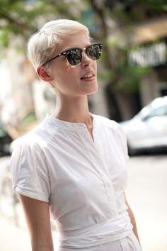 blonde pixie | #sun #sunglasses #rayban #shorthair (found on http://modernhepburn.tumblr.com/post/17161825477) Thanks @ingahoffmann