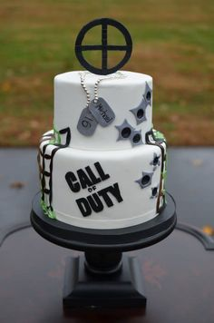Call of Duty birthday cake for a 16 year old boy.