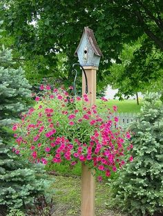 Garden post with hanging basket & bird house. Different bird house though. Garden Posts, Lawn And Garden, Garden Art, Garden Design, Succulents Garden, Dream Garden, Garden Projects, Garden Inspiration, Bird Houses