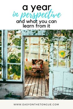 De-cluttering tips to release the the unwanted.feng shui to energize it. Keller Williams, Blog Tips, Rv Tips, Frugal Tips, Feng Shui, How To Start A Blog, How To Make Money, Do It Yourself Inspiration, Travel Inspiration