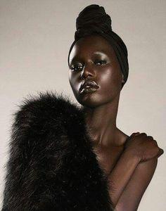 black women models with short hair Black Girl Magic, Black Girls, Art Afro, Dark Skin Beauty, My Black Is Beautiful, Beautiful Eyes, Beautiful Drawings, Beautiful Pictures, African Beauty