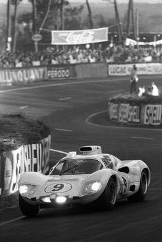 Phil Hill/Jo Bonnier - Chaparral 2D - 1966 24 Heures du Mans