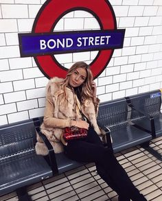 Mind The Gap, London Outfit, London Pictures, London Photos, Tatjana Catic, Photoshoot London, London Instagram, Fashion Model Poses, Girl Photo Shoots