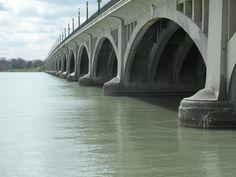 Belle Isle Bridge.  Detroit Michigan