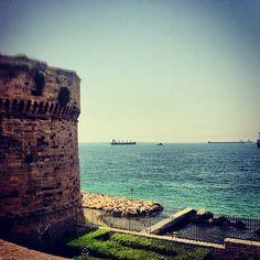 Photo by isolachevogliamo • Instagram  Taranto, Castello Aragonese