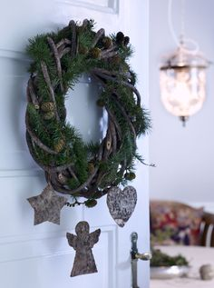 indoor christmas wreath