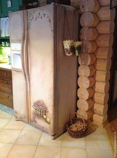 Купить роспись холодильника прованс - роспись холодильника, роспись на холодильнике, рисунок на холодильнике, декор холодильника French Cottage Style, Cottage Style Decor, Cottage Design, Refrigerator Makeover, Paint Refrigerator, Paint Furniture, Furniture Makeover, Homey Kitchen, Pastel Kitchen
