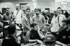 Comanche et Bruno Launais (tiens, encore un retraité) ont suivi de près les progrès de leur pote de toujours. #WPODublin #Poker Dublin, Poker, Bruno, Belle Photo, Photos, Pictures, Photographs