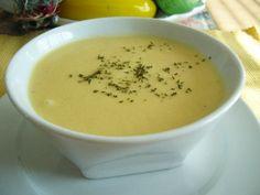 Potage aux concombres http://www.recettes.qc.ca/recette/potage-aux-concombres-1110 #recettesduqc #soupe #concombre