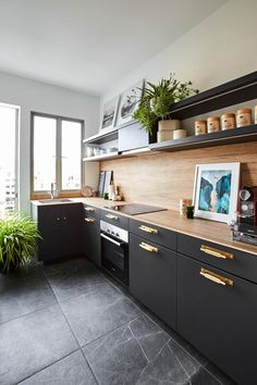 Make your home stand out amidst a sea of white, black and tan interiors. Go bold with vibrant colours with tips from these 3 designers! Colorful Kitchen Decor, Kitchen Colors, Kitchen Ideas, Teal Kitchen Cabinets, Küchen Design, Interior Design, Color Interior, Design Ideas, Estilo Tropical