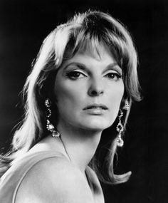"""From the laser disc """"Julie London Show"""", with the Bobby Troup Quintet, recorded on in Japan. Female Actresses, Female Singers, Actors & Actresses, Classic Actresses, Hollywood Actresses, Julie London, London Pictures, London Photos, Epic Pictures"""