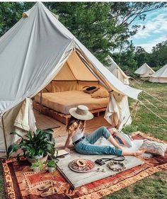 Camping In the Backyard Ideas . Camping In the Backyard Ideas . Todo Camping, Camping Glamping, Luxury Camping, Backyard Camping Parties, Backyard Movie, Tara Milk Tea, Zelt Camping, Gazebos, Bell Tent
