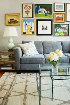 Name: Rachel Shipp  Location: Cow Hollow; San Francisco, California  Size: 1,009 square feet  Years lived in: 1 year; Owned    After turning 30 last year, Rachel decided to pull the trigger and buy her first place—a one bedroom apartment in San  Francisco's Cow Hollow neighborhood, just minutes away from the iconic Golden Gate  Bridge. A year later, she's managed to create a cozy modern space with traditional elements in which she can entertain friends or enjoy a glass of wine on a ...