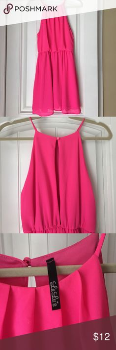 Hot pink dress Perfect dress for summer! Hot pink from lulus.  No size tag but it's a small/medium. Great condition.    Back is open. Very cute. Lulu's Dresses Mini