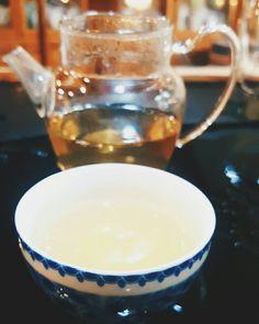 Raw puerh tea from Yunnan. 云南生普洱茶。Tasting tea in the little teahouse (from the previous post) at the Chengdu tea market. Pu Erh Tea, Chengdu, Tea Time, Mason Jars, Mugs, Tableware, Garden, Instagram, Dinnerware