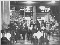 Confeitaria Colombo Obs de JuRicardo -Colombo em Copacana. Pela escada ao fundo, lado direito, subia-se ao salão onde era servido o almoço. Um lindo piano de cauda embalava as refeições com musicas agradáveis. Decididamente outros tempos...
