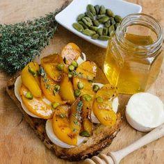Home - Din secretele bucătăriei chinezești - Page 9 Brie, Cantaloupe, Carrots, Sandwiches, Peach, Tasty, Cheese, Snacks, Vegetables