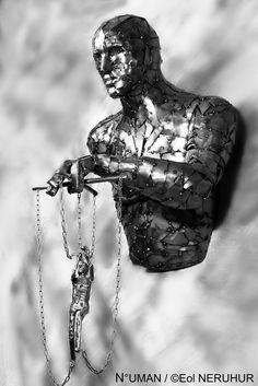 VERSUS sculpture humaine works métal by n -uman
