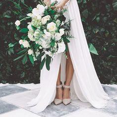 bridal bouquet .. X ღɱɧღ   lush bridal bouquet - brides of adelaide