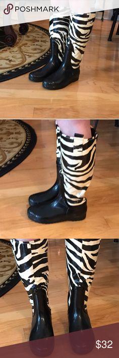 Chinese Laundry zebra rain boots size 8 Chinese Laundry size 8 zebra rain boots Chinese Laundry Shoes Winter & Rain Boots