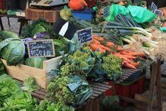 """Foire aux fleurs et marché """"Carrefour des saveurs"""""""