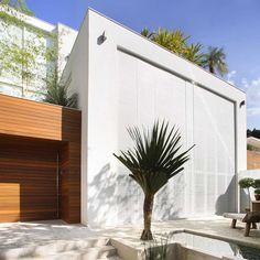 Residence in Brazil by Progetto Arquitetura & Interiores