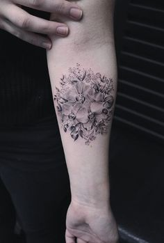 Awesome Tattoos by Amazing Artist Eva Krbdk Awesome Tattoos by Amazing Artist Eva KrbdkAmazing Artist Eva Krbdk specializes in illustrative miniature fine art. Eva is originally f Hot Tattoos, Black Tattoos, Girl Tattoos, Tree Tattoos, Tatoos, Get A Tattoo, Arm Tattoo, World Travel Tattoos, Orchid Tattoo