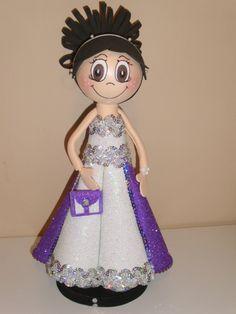 Fofucha Nora. Un vestido de fiesta digno de una princesa. Brillante.