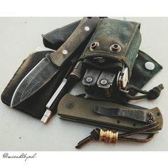 Full kit... #jrsknives #neckr #scoopyloops #emersonknives #junglecqc7 #skinth…