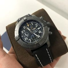 "Breitling stepping up their game 👌 #breitling ""black titanium"" #nightmission • • • #avenger #chronograph #pilotswatch #pilotwatches #luxurywatches #fashion #watchlover #wristshot #onlineshopping #instawatch #horology #v13317101b1x1"