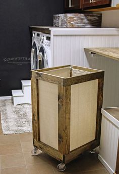 Vintage Rolling Laundry Cart is easy to make & adds charm to your laundry space. A functional & practical project with a reclaimed wood look to make laundry day easier! Wood Hamper, Wood Laundry Hamper, Laundry Box, Laundry Cart, Diy Laundry Baskets, Laundry Room Wall Decor, Laundry Room Organization, Laundry Room Design, Palette Deco
