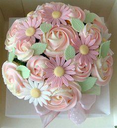 12 Cupcakes Bouquet