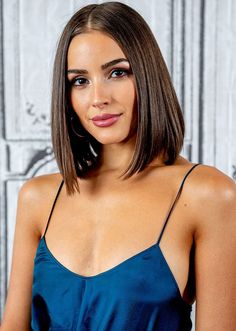 bob haircut 1 Hair Trends for 2019 Are Updated Versions of Throwback Classics bob haircut 1 Hair Trends for 2019 Are Updated Versions of Throwback Classics Long Bob Haircuts, Curly Bob Hairstyles, Trending Hairstyles, Summer Hairstyles, Straight Hairstyles, Curly Hair Styles, Halloween Hairstyles, Hairstyle Short, School Hairstyles