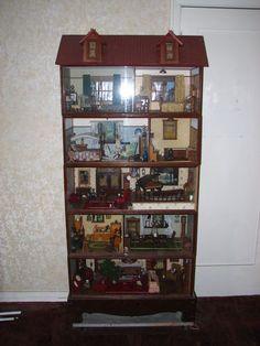 Vintage dollhouse with 5 floors