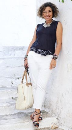 Fashion Trends for Women Over 50 - Fashion Trends Crop Top Outfits, Mode Outfits, Trendy Outfits, Fashion Outfits, Fashion Trends, Fashion For Women Over 40, Fashion Over 50, Look Chic, Casual Chic