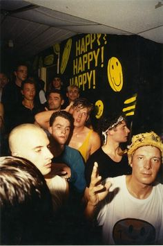 25 nostalgic smiley shots to satisfy your acid house cravings - Galleries - Mixmag Acid House, Night Club, Night Life, Techno, Britpop, Club Kids, Youth Culture, Teenage Dream, Mo S