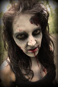 This is the most legit zombie makeup. Zombie Mask, Zombie Makeup, Fx Makeup, Costume Zombie, Halloween Make Up, Halloween Face Makeup, Halloween Ideas, Halloween Costumes, Zombie Birthday Parties