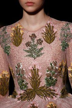 See detail photos for Giambattista Valli Spring 2017 Couture collection.