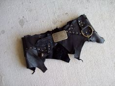 Made from recycled scraps of black oil tanned leather, recycled cowhide pieces, a thrifted buckle, and a mix of dark brass hardware. Steampunk Corset, Black Oil, Tribal Fusion, Diy Clothing, Gypsy Style, Leather Design, Rock Style, Brass Hardware, Goa