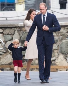 Royal Family Around the World: 2016 Royal Tour To Canada Of The Duke And Duchess Of Cambridge sailing towards Victoria's Inner Harbour on October 1, 2016 in Victoria, Canada.