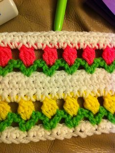 Flowers in a Row, free pattern by Melissa Leapman