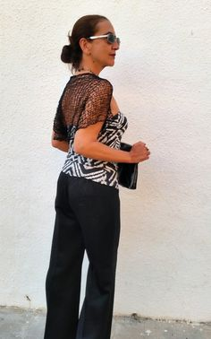 Black is always a good option. Black shrugs over all. por EstherTg