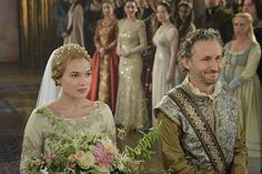 Pin for Later: The Ultimate Movie and TV Weddings Gallery Reign Greer (Celina Sinden) and Lord Castleroy (Michael Therriault) marry in a gorgeous wedding. Reign Mary, Mary Queen Of Scots, Queen Mary, Reign Fashion, Fashion Tv, Fashion History, Greer Reign, Celina Sinden, Reign Season