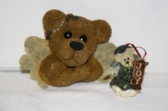 """Boyd's lot of 2 Angel bear plaque and ornament measures approx: plaque 6 1/4"""" x 5"""" x 2 1/4"""" from 1998 style #654282GCC """"Angelica-in flight', ornament 3"""" from 1998 **Wings were broken off and glued back** $12.50"""