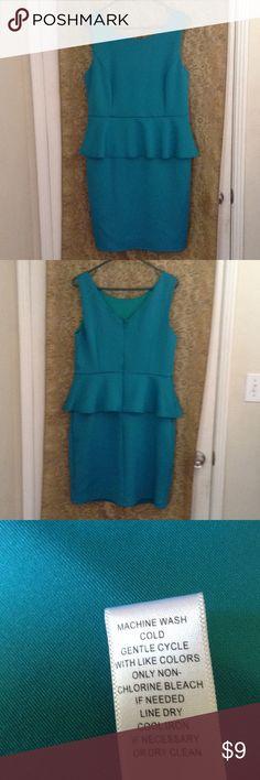 SPENSE.  gently Used.  Dresse Spense Spense Dresses