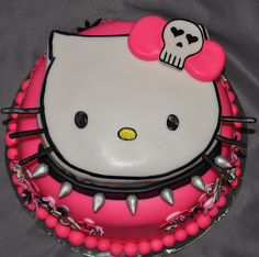cake that made me think of deb when i seen it :)