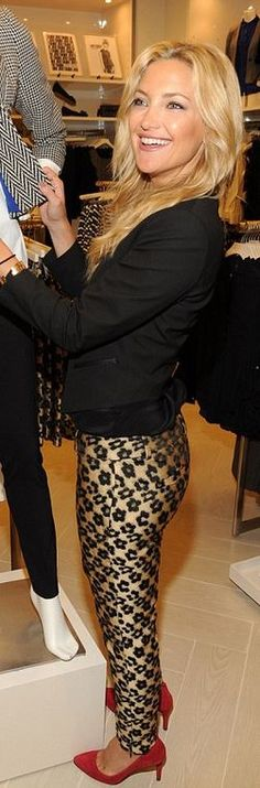 Who made  Kate Hudson's red pumps, black blazer, and print pants?