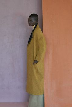 How beautiful is this photo. The colours, the textures, the pose the backdrop. Adonis Bosso and Achok Majak photographed by Dominik Tarabanski for The Open Lab… Editorial Photography, Fashion Photography, Fall Inspiration, Viviane Sassen, Mode Lookbook, Mode Editorials, Foto Art, Editorial Fashion, Fashion Trends
