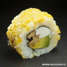 Sushi Vegetariano, Veggie Sushi Rolls, Sushi Style, Sushi Dishes, Sushi Chef, How To Make Sushi, Health Dinner, Flank Steak, Food Cravings
